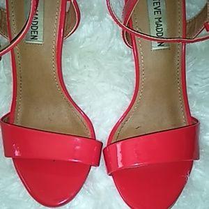 Red shining heels Steve Madden